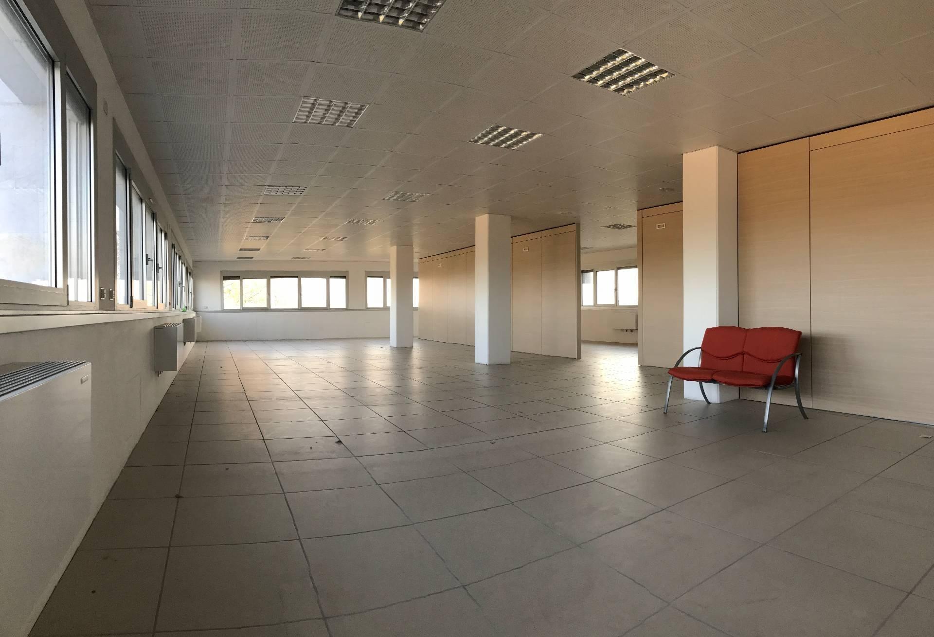 Ufficio / Studio in affitto a Treviso, 9999 locali, zona useppe, prezzo € 300.000   PortaleAgenzieImmobiliari.it