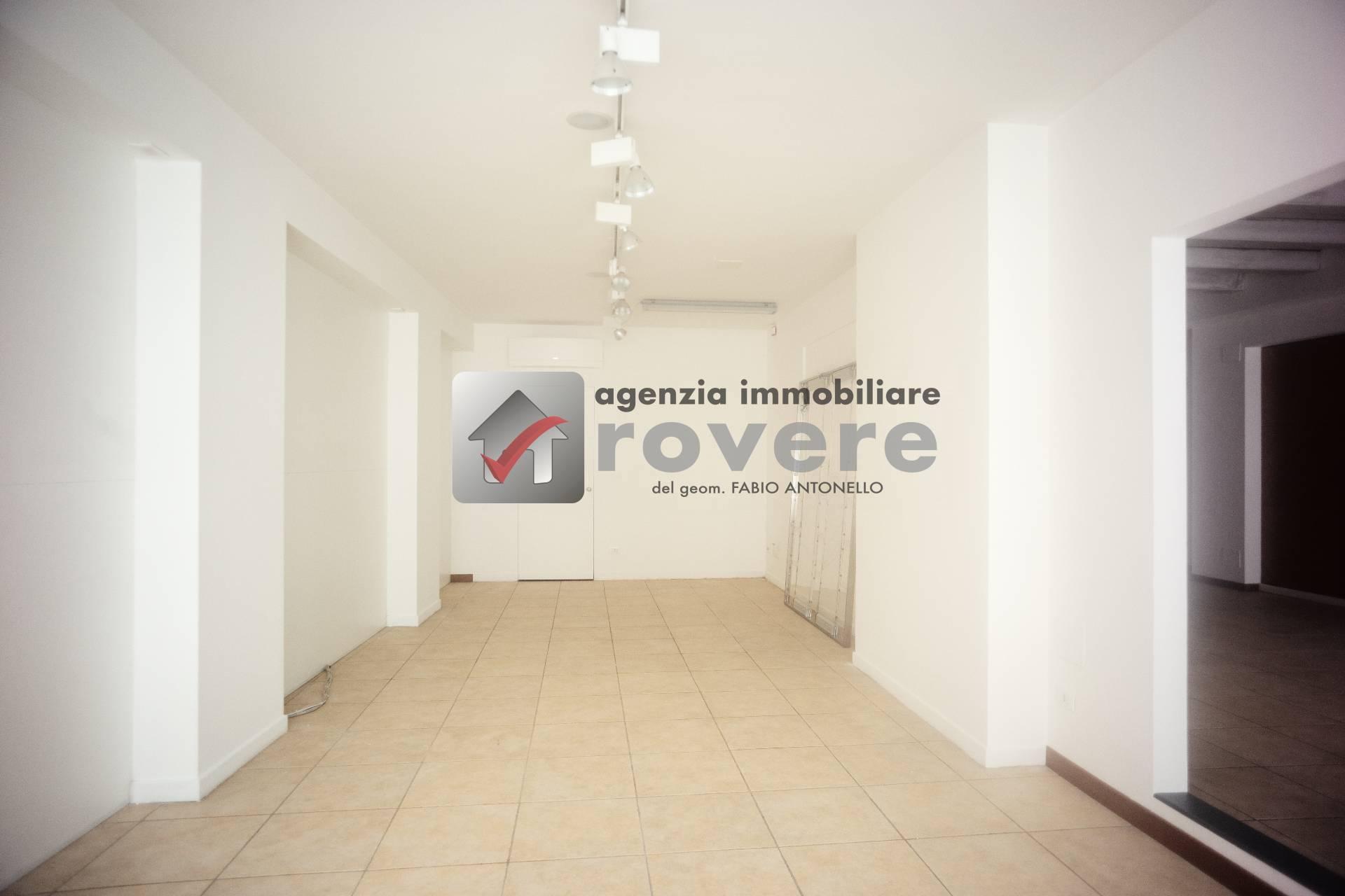 Negozio / Locale in affitto a Treviso, 9999 locali, prezzo € 190.000   PortaleAgenzieImmobiliari.it