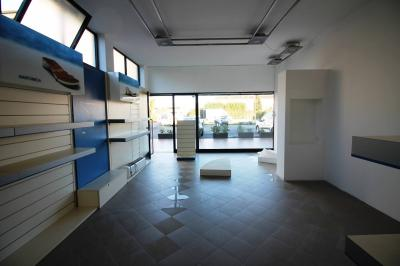 Commercial property for Rent to Lucca