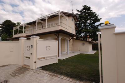 Family house for Sale to Pietrasanta