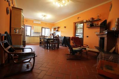Detached house for Sale to Capannori