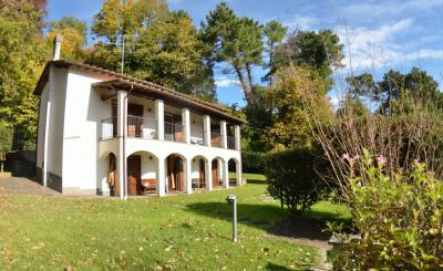 Detached house for Sale to Camaiore