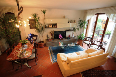 Terraced house for Sale to Lucca