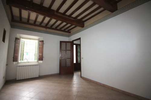 Rural home for Sale to Lucca