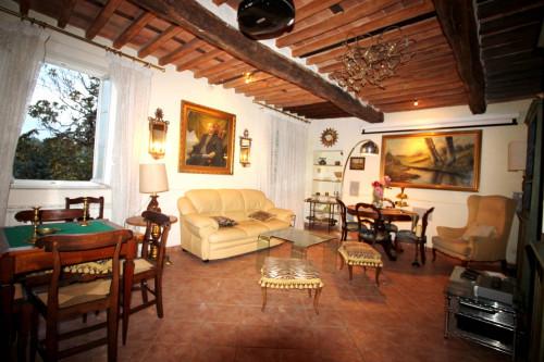 Casa indipendente in Vendita a Lucca