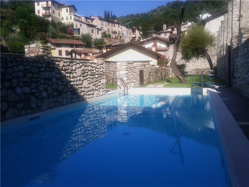 Appartamento in vendita a Gardone Riviera, 2 locali, zona Località: FasanoSopra, prezzo € 140.000 | CambioCasa.it