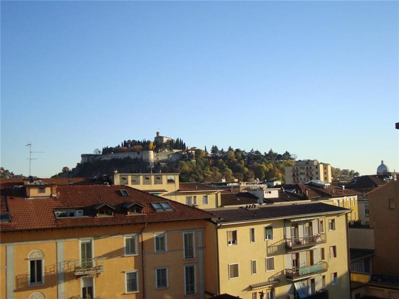 Appartamento in affitto a Brescia, 4 locali, zona Località: 3-BRESCIANORD,MOMPIANO,VILLAGGIOPREALPINO,SANROCCHINO,BORGOTRENTO,SANBARTOLOMEO,SANTEUSTACHIO,CASAZZA, prezzo € 650.000 | CambioCasa.it