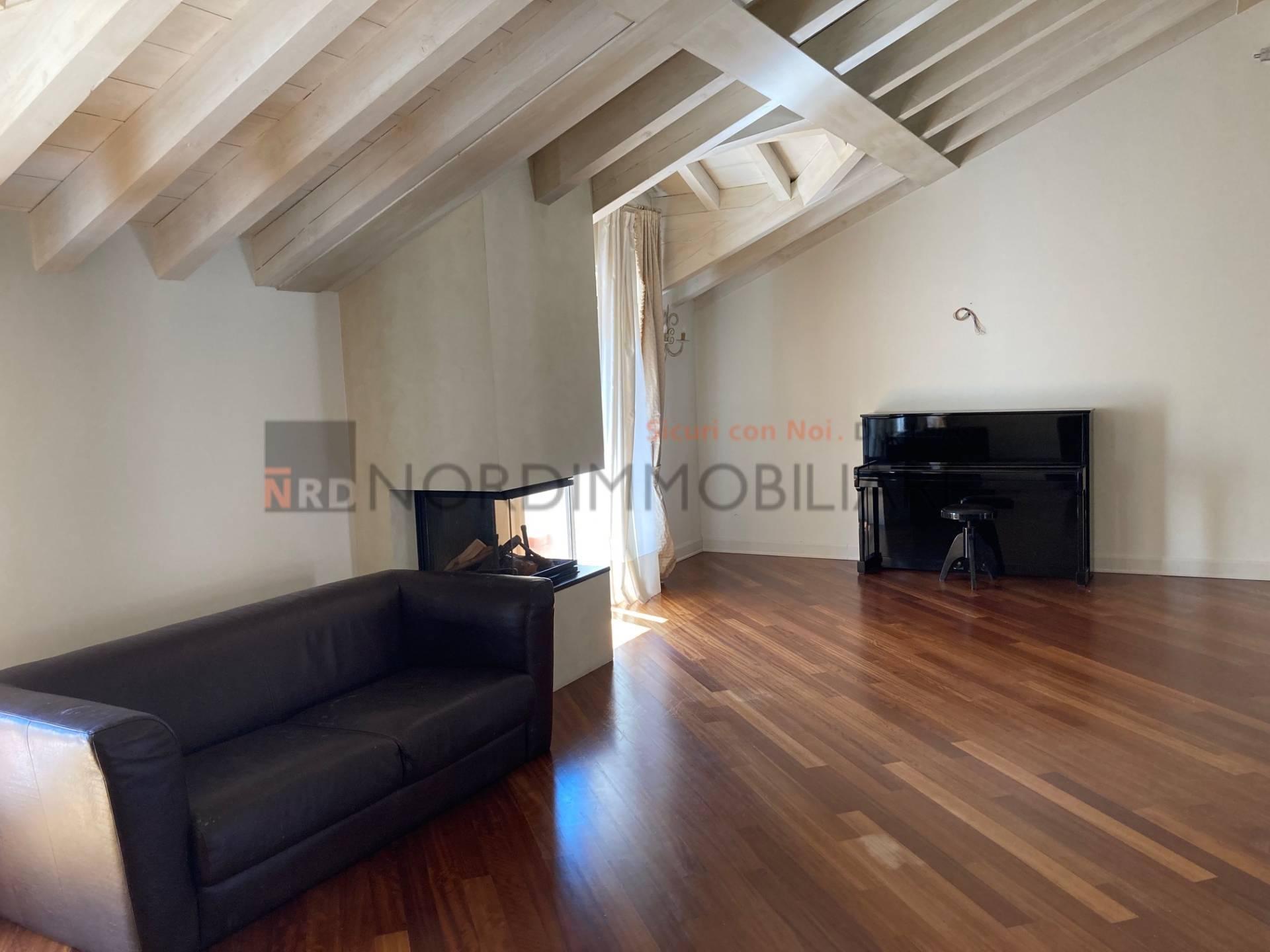 Appartamento in affitto a Brescia, 5 locali, zona Località: 1-CENTROSTORICO, prezzo € 2.500 | CambioCasa.it
