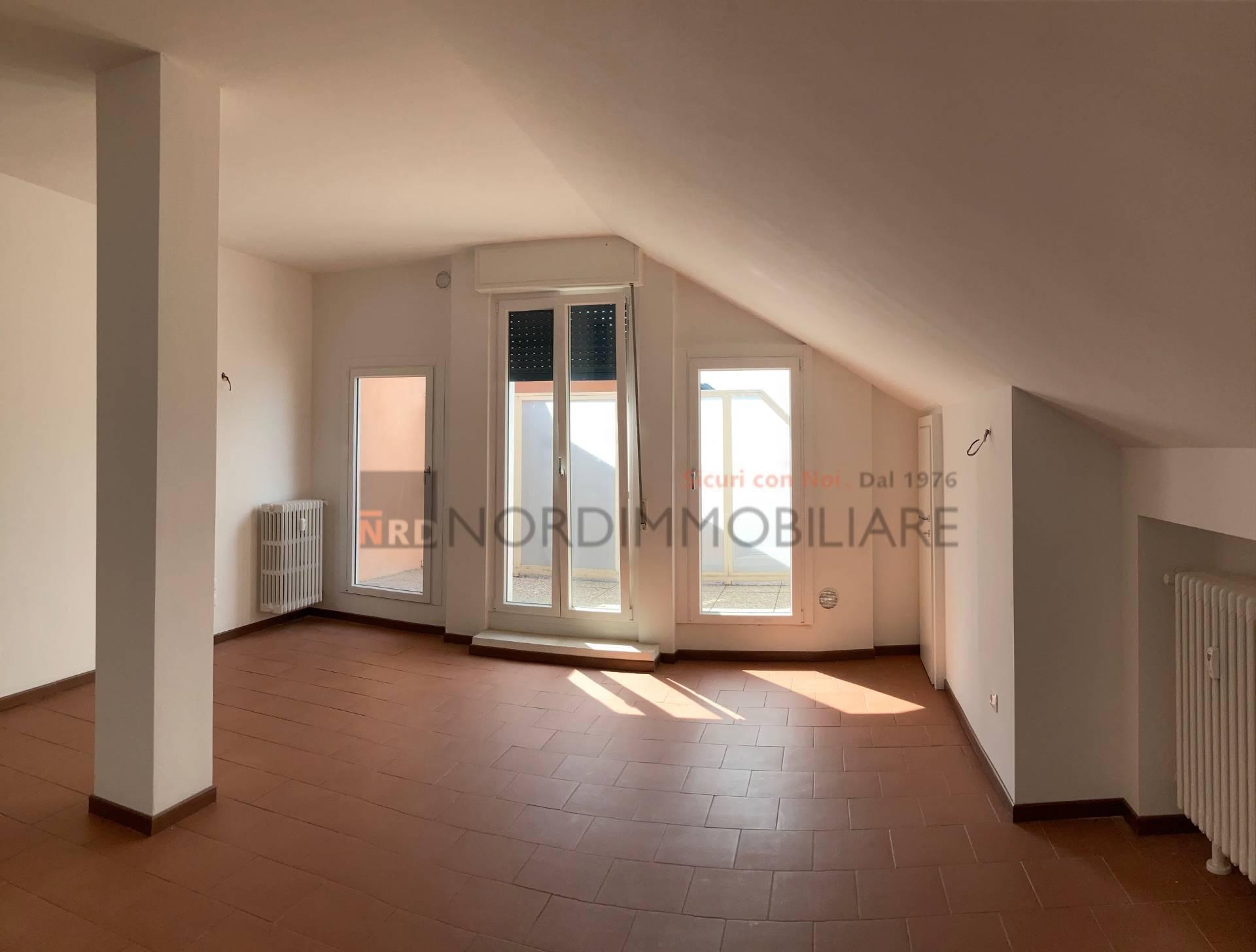 Appartamento in affitto a Brescia, 3 locali, zona Località: 4-PORTAVENEZIA,PANORAMICA,VIALEBORNATA, prezzo € 700 | CambioCasa.it