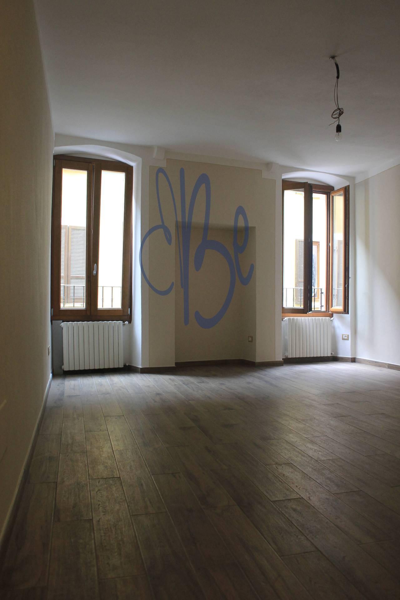 Appartamento in affitto a Salò, 2 locali, zona Località: Salò-Centro, prezzo € 500   CambioCasa.it
