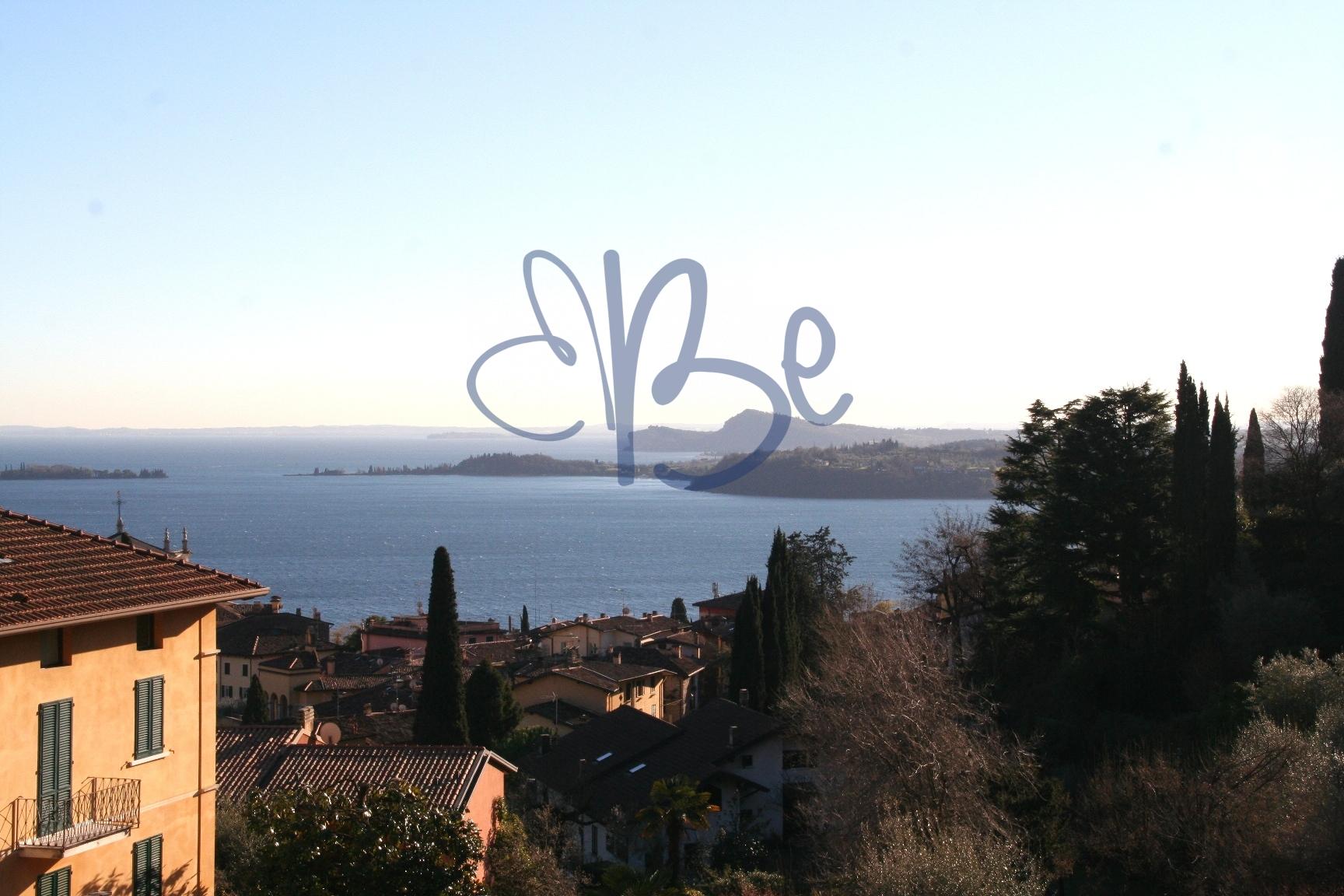 Appartamento in vendita a Gardone Riviera, 4 locali, zona Località: GardoneSopra, prezzo € 335.000 | CambioCasa.it