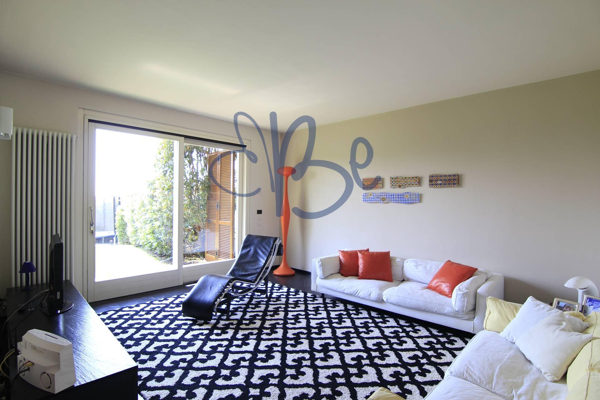Villa Bifamiliare in vendita a Puegnago sul Garda, 5 locali, prezzo € 350.000 | CambioCasa.it