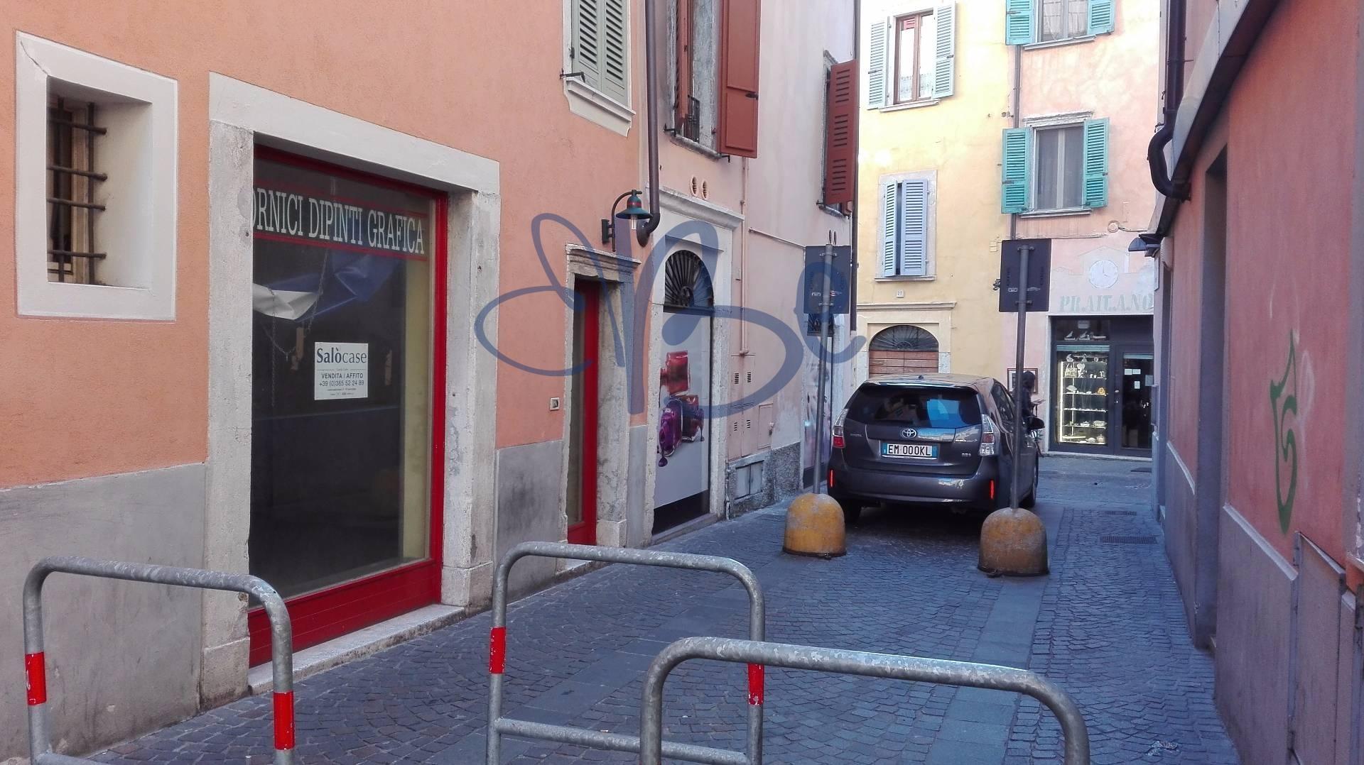Negozio / Locale in affitto a Salò, 9999 locali, zona Località: Salò-Centro, prezzo € 450 | CambioCasa.it