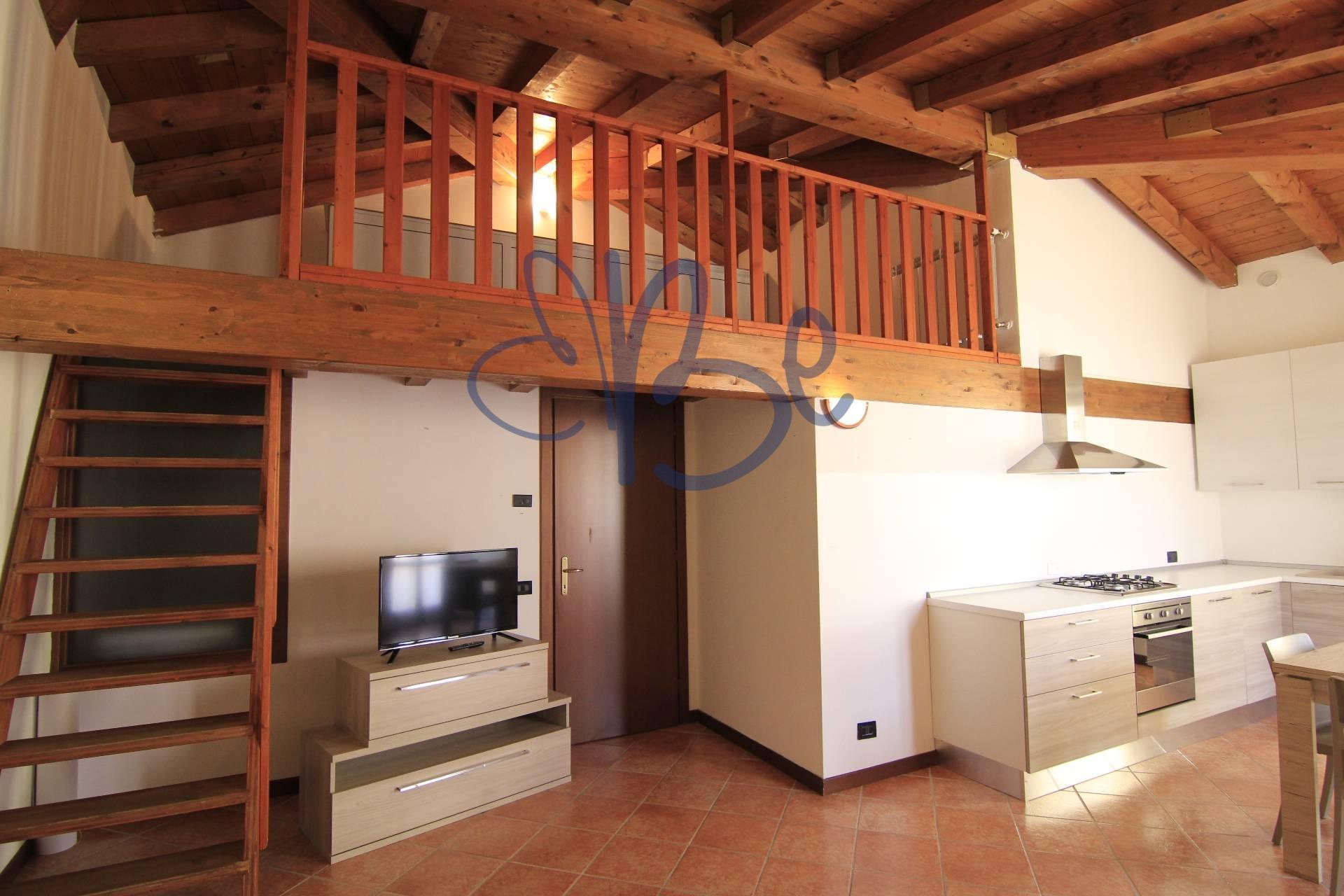 Appartamento in affitto a Salò, 2 locali, prezzo € 600   CambioCasa.it