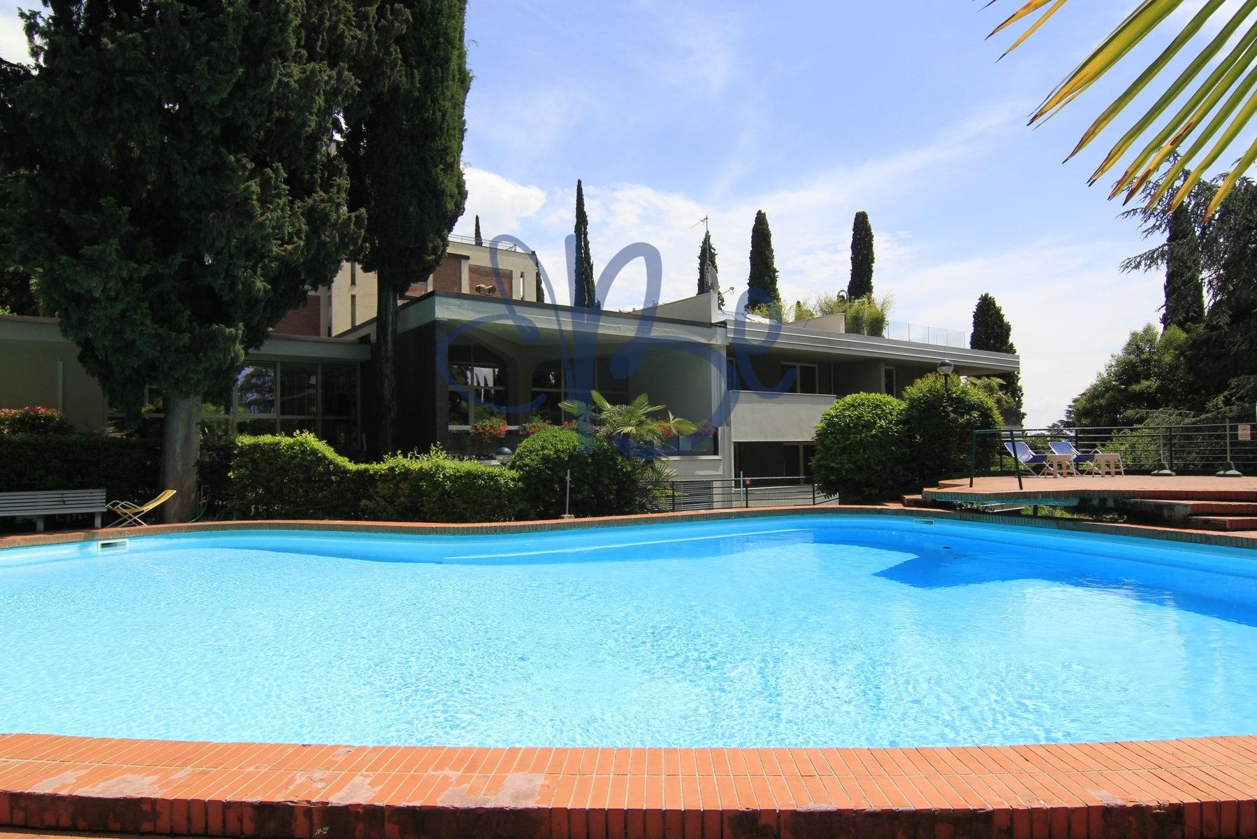 Appartamento in affitto a Gardone Riviera, 2 locali, Trattative riservate | CambioCasa.it