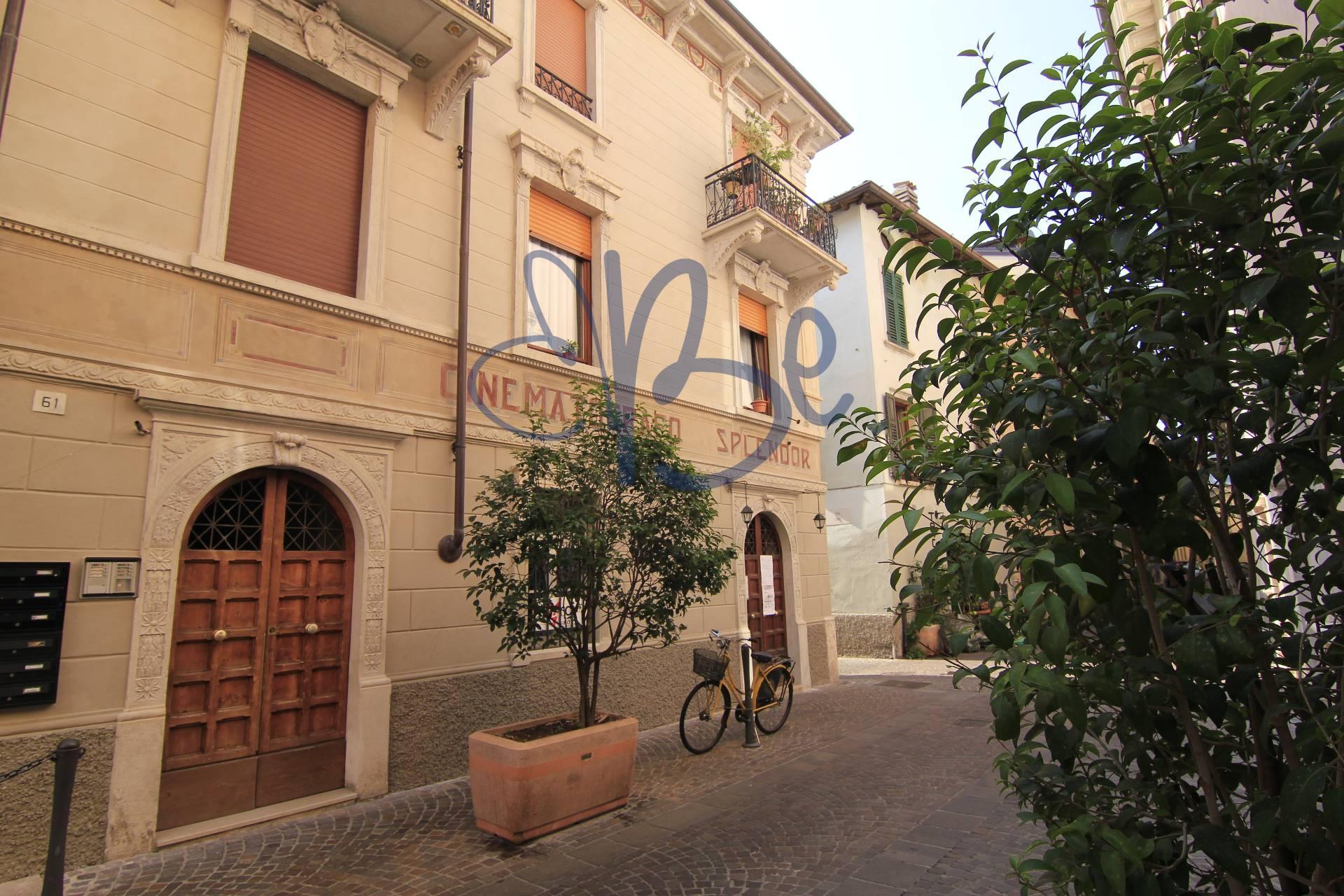Negozio / Locale in vendita a Salò, 9999 locali, prezzo € 210.000   CambioCasa.it