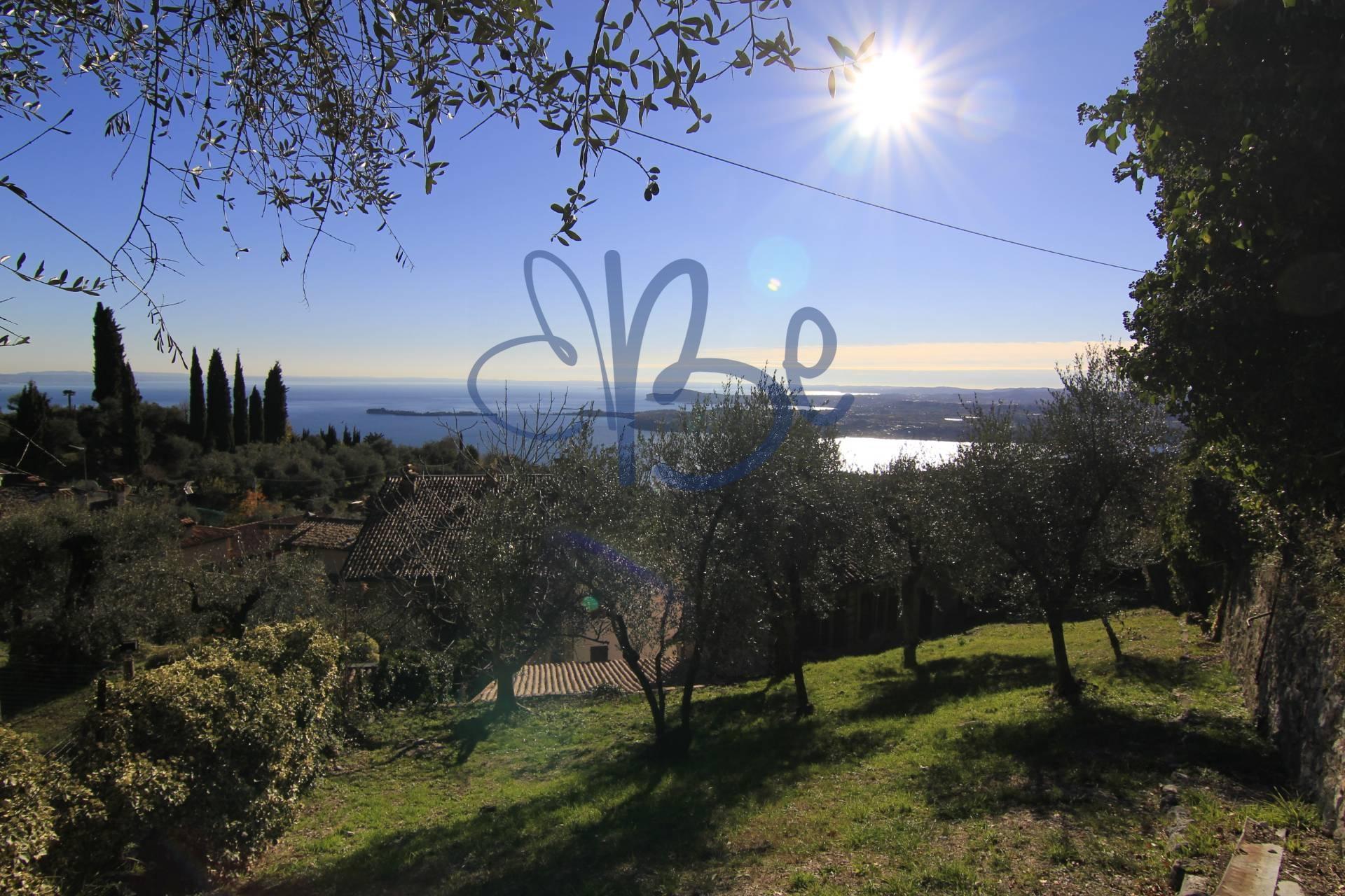 Rustico / Casale in vendita a Gardone Riviera, 6 locali, zona Zona: Tresnico, prezzo € 175.000 | CambioCasa.it