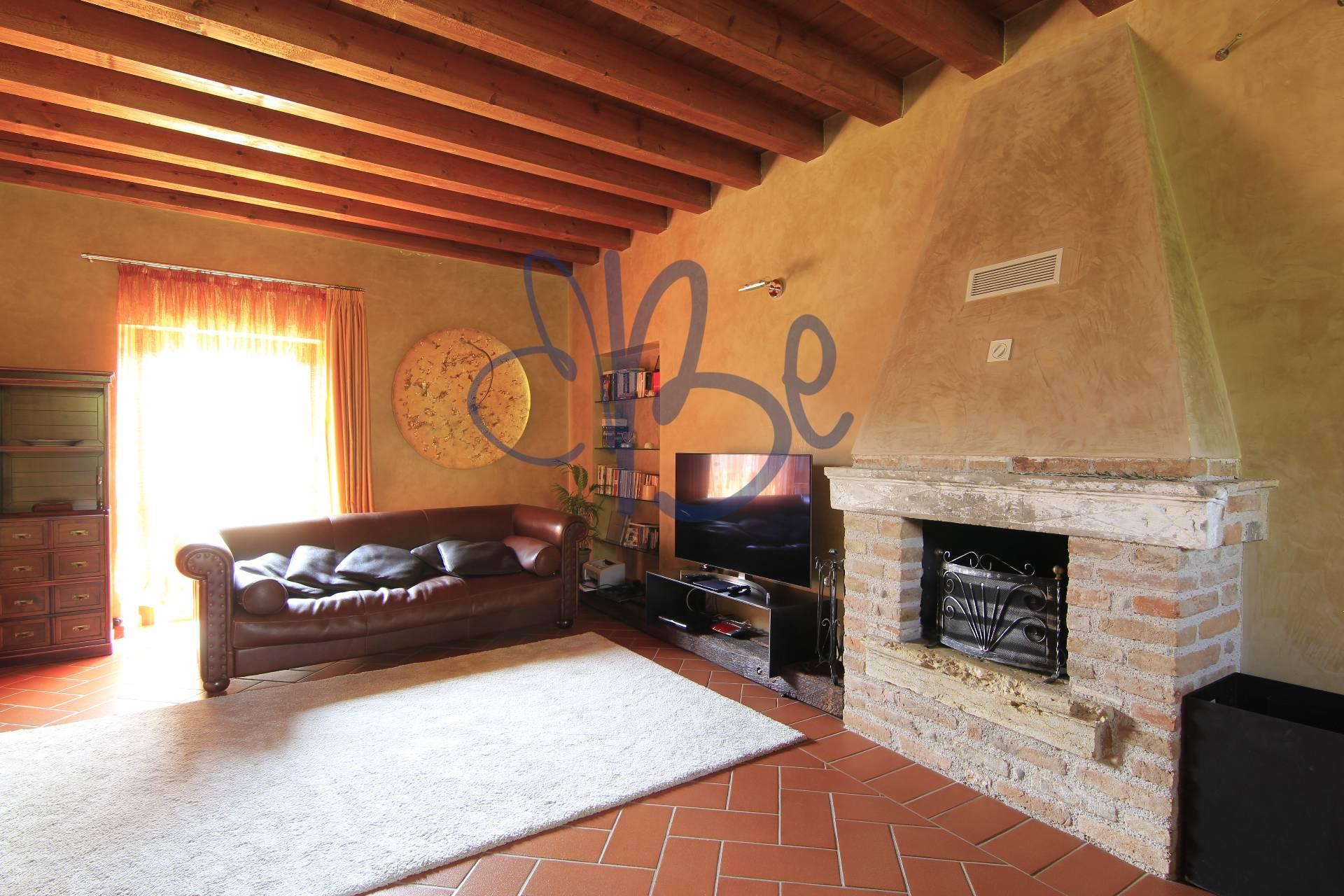 Appartamento in vendita a Salò, 3 locali, zona Zona: Cunettone, prezzo € 260.000 | CambioCasa.it