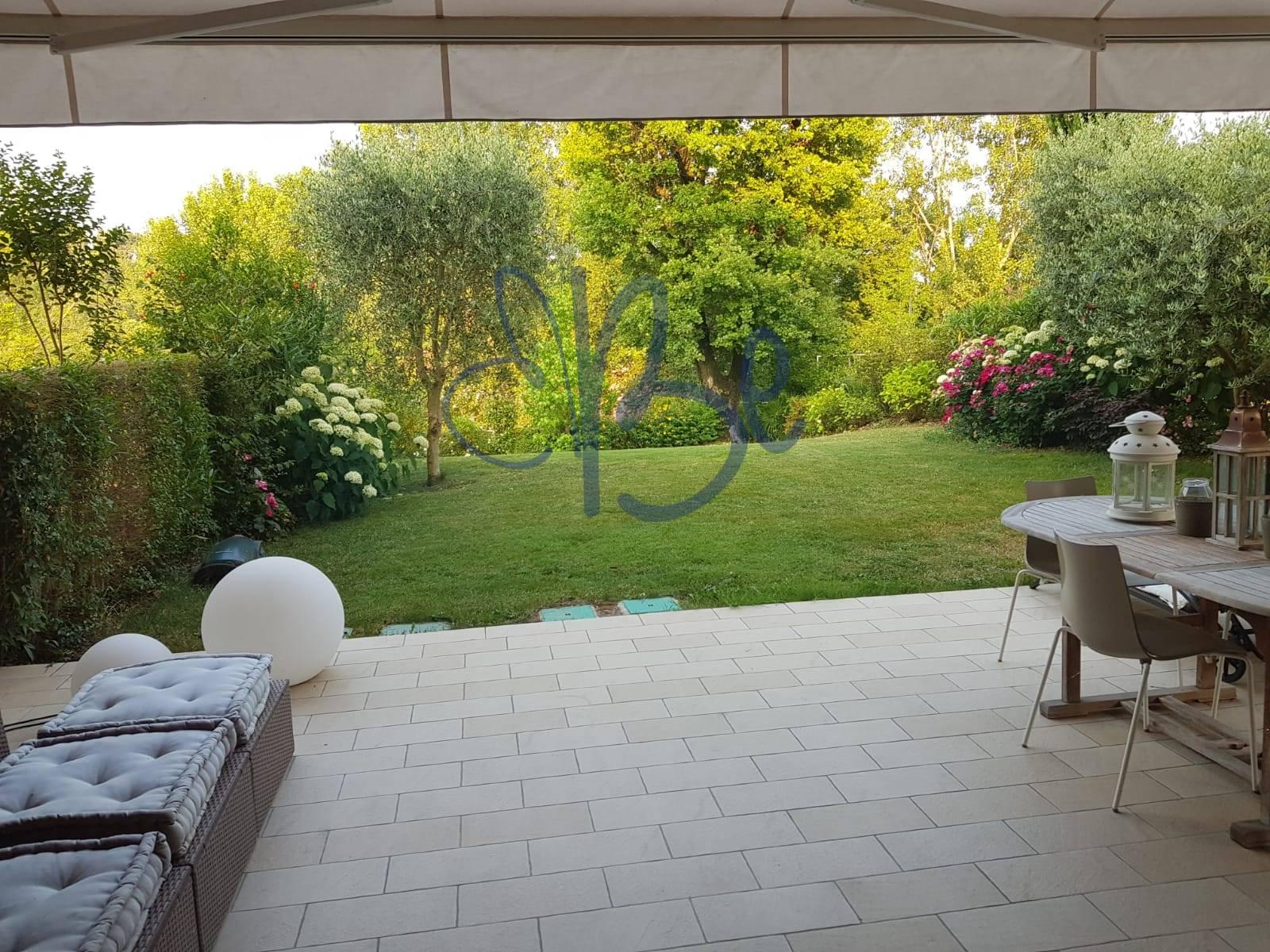 Appartamento in vendita a Salò, 4 locali, prezzo € 360.000 | CambioCasa.it