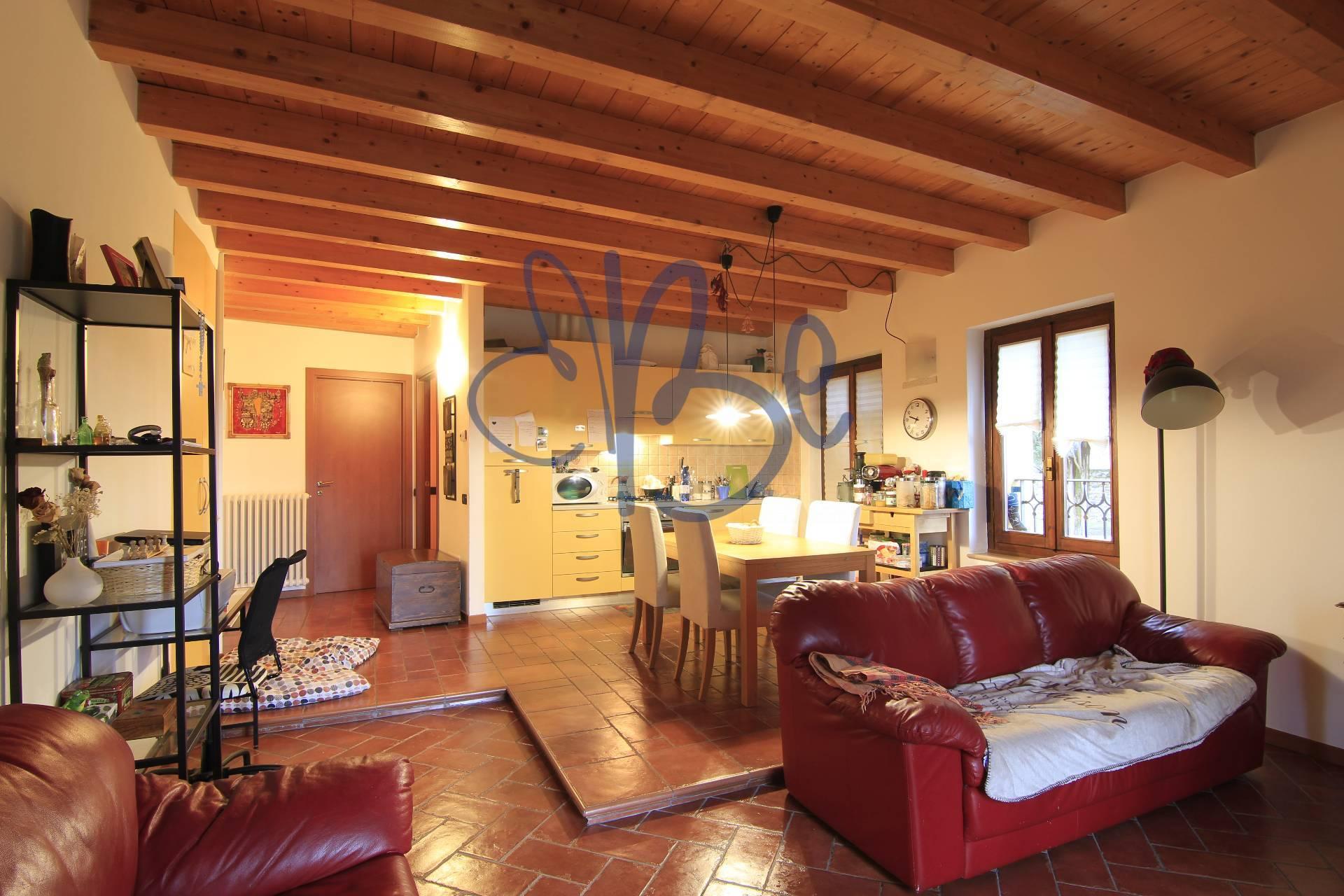 APPARTAMENTO in Affitto a Gardone Sopra, Gardone Riviera (BRESCIA)
