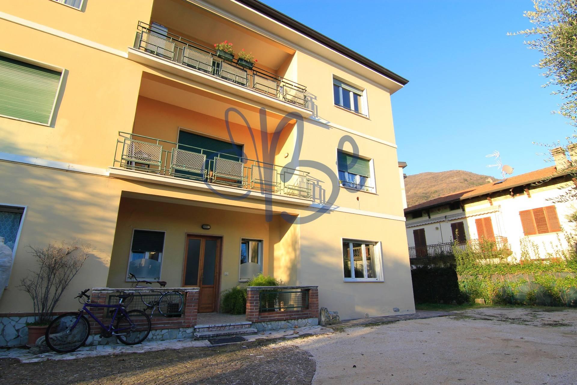 Appartamento in vendita a Salò, 3 locali, prezzo € 155.000 | CambioCasa.it