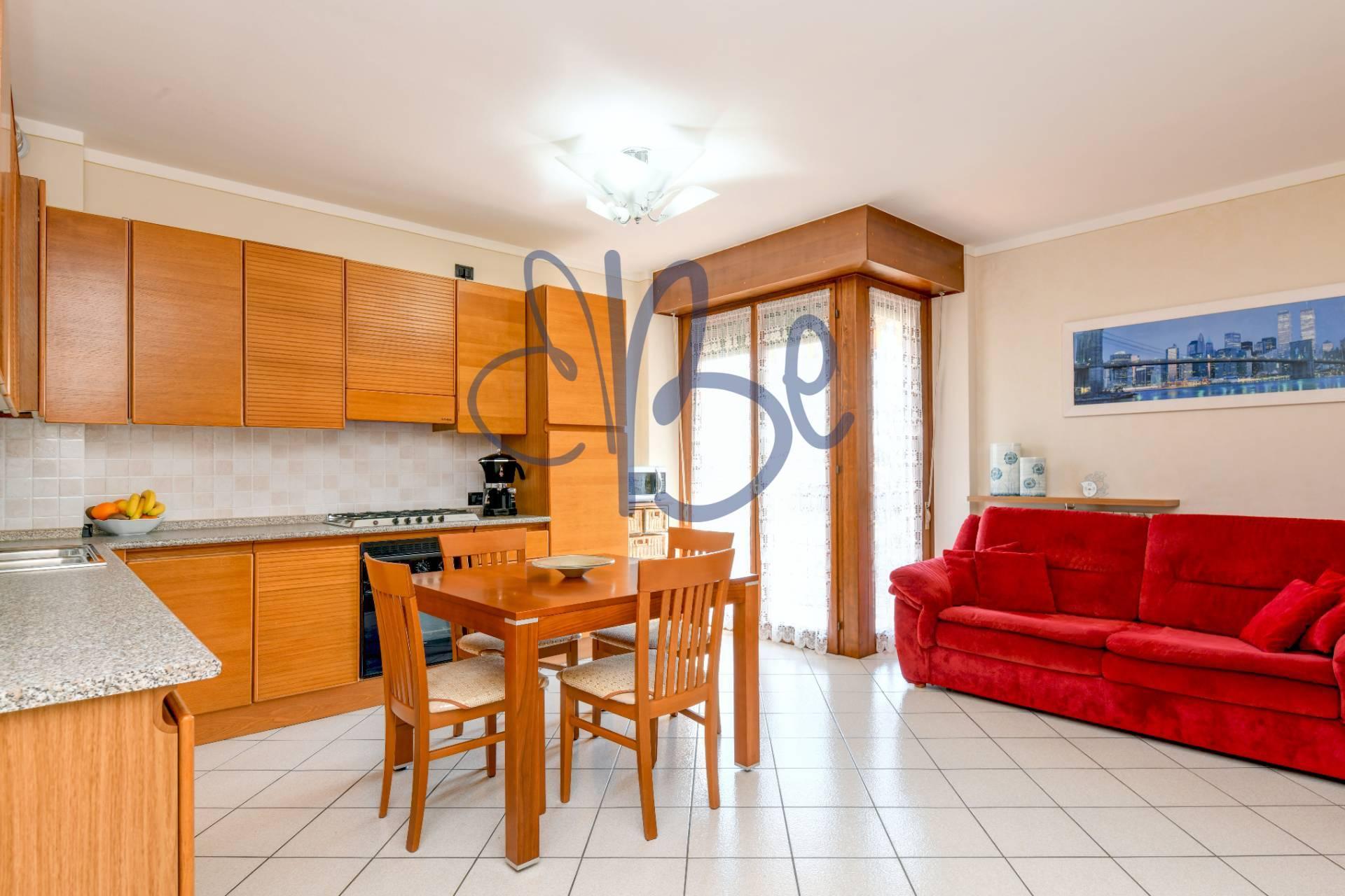Appartamento in vendita a Salò, 3 locali, zona Zona: Villa, prezzo € 215.000 | CambioCasa.it