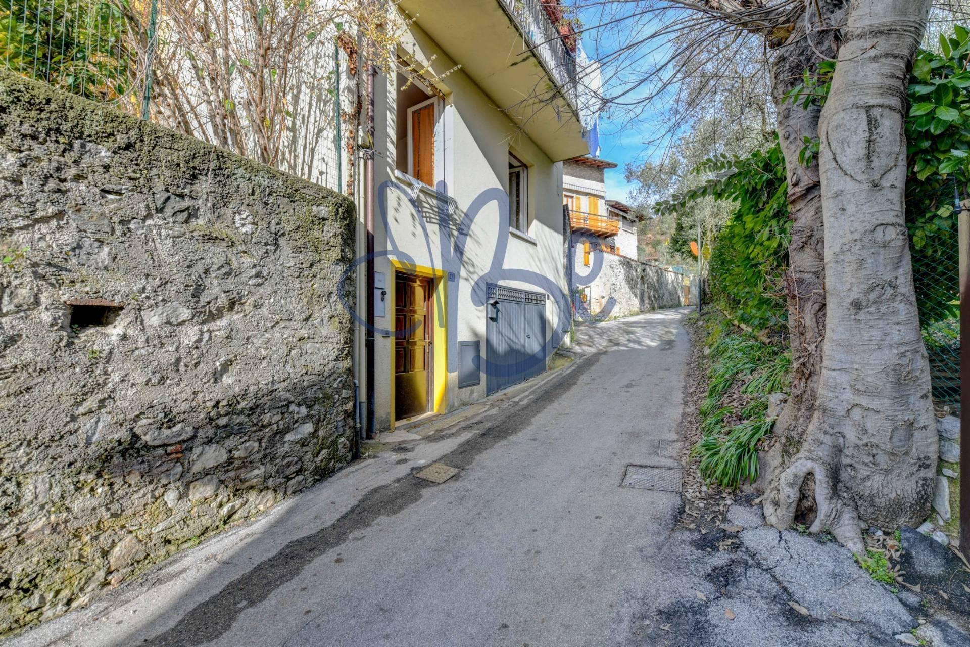 Appartamento in vendita a Gardone Riviera, 2 locali, zona Zona: Morgnaga, prezzo € 95.000 | CambioCasa.it