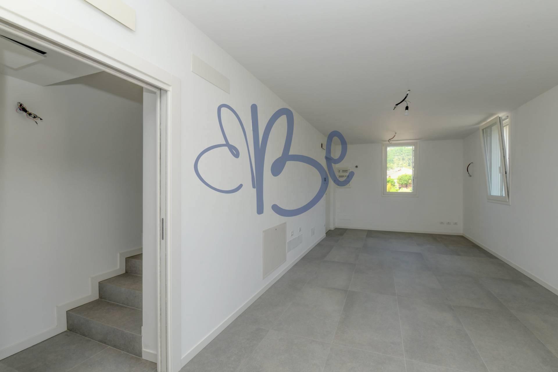 Appartamento in affitto a Roè Volciano, 3 locali, prezzo € 770 | CambioCasa.it