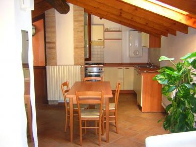Appartamento in Affitto a San Felice del Benaco