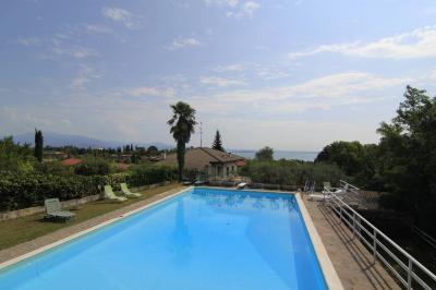 Villa in Buy to Padenghe sul Garda