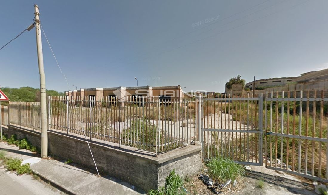 Negozio / Locale in vendita a Melilli, 9999 locali, zona Località: Citt?Giardino, prezzo € 450.000   CambioCasa.it