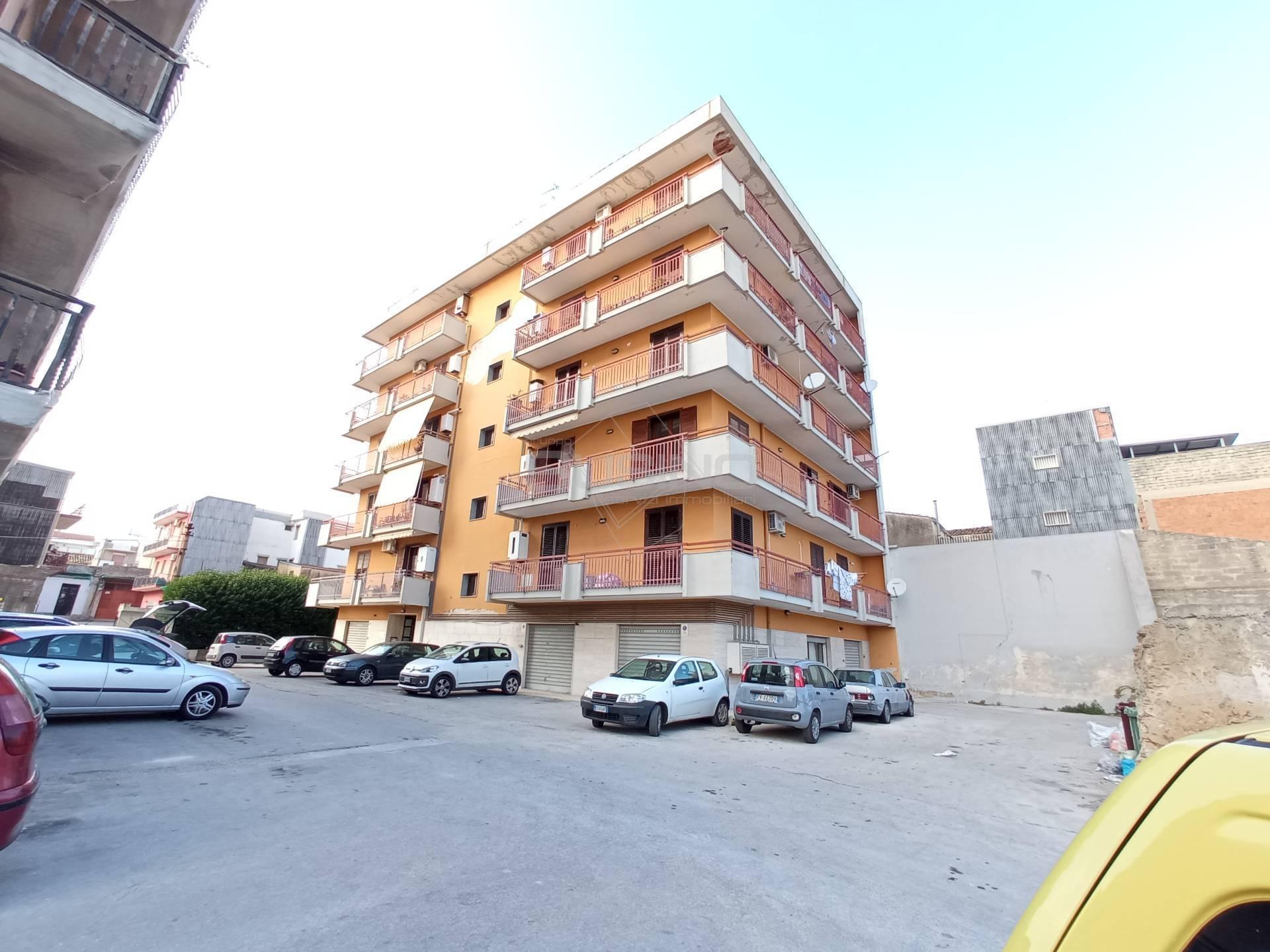 Appartamento in vendita a Floridia, 5 locali, prezzo € 88.000 | CambioCasa.it