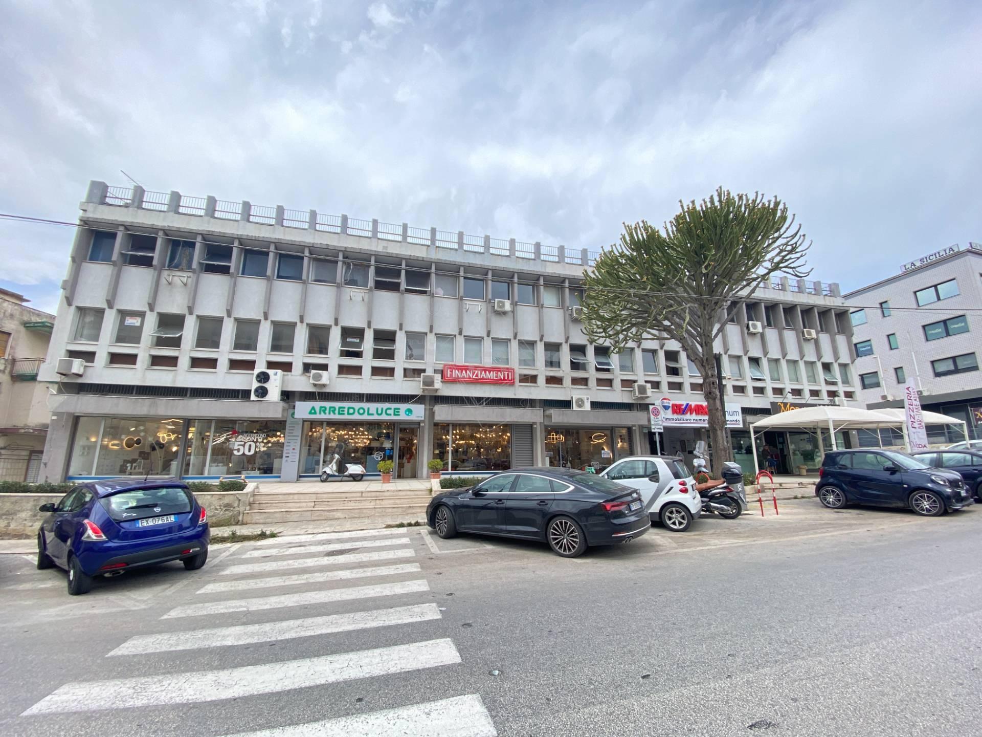Ufficio / Studio in vendita a Siracusa, 9999 locali, zona Località: Teracati, prezzo € 48.000 | CambioCasa.it