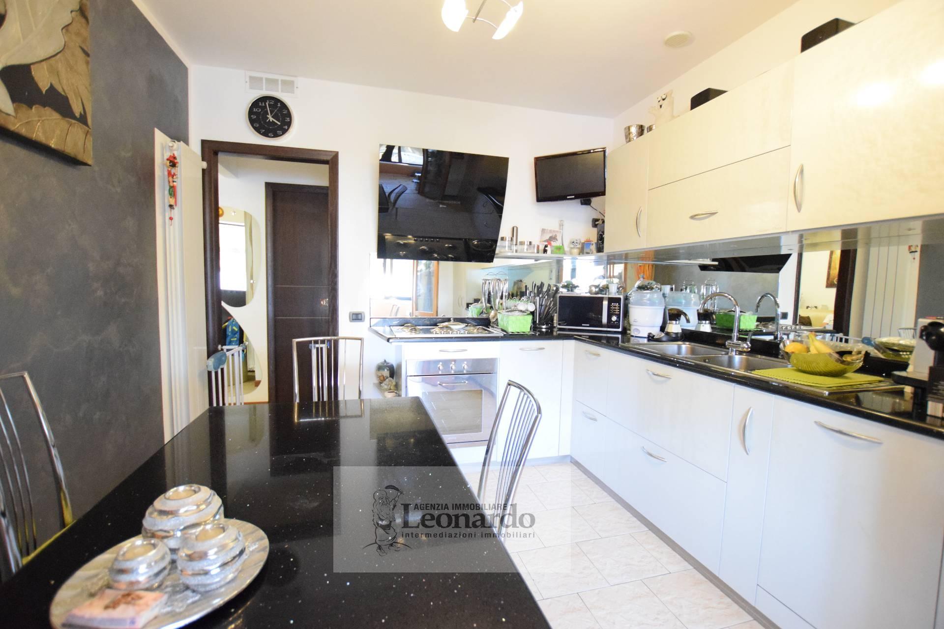 vendita appartamento viareggio terminetto  185000 euro  5 locali  80 mq