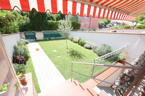 Indipendent house for Sale to Massarosa