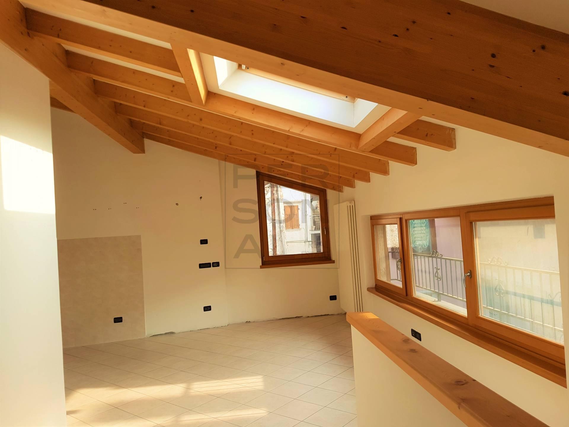 Appartamento in vendita a Lavis, 4 locali, prezzo € 199.000 | CambioCasa.it