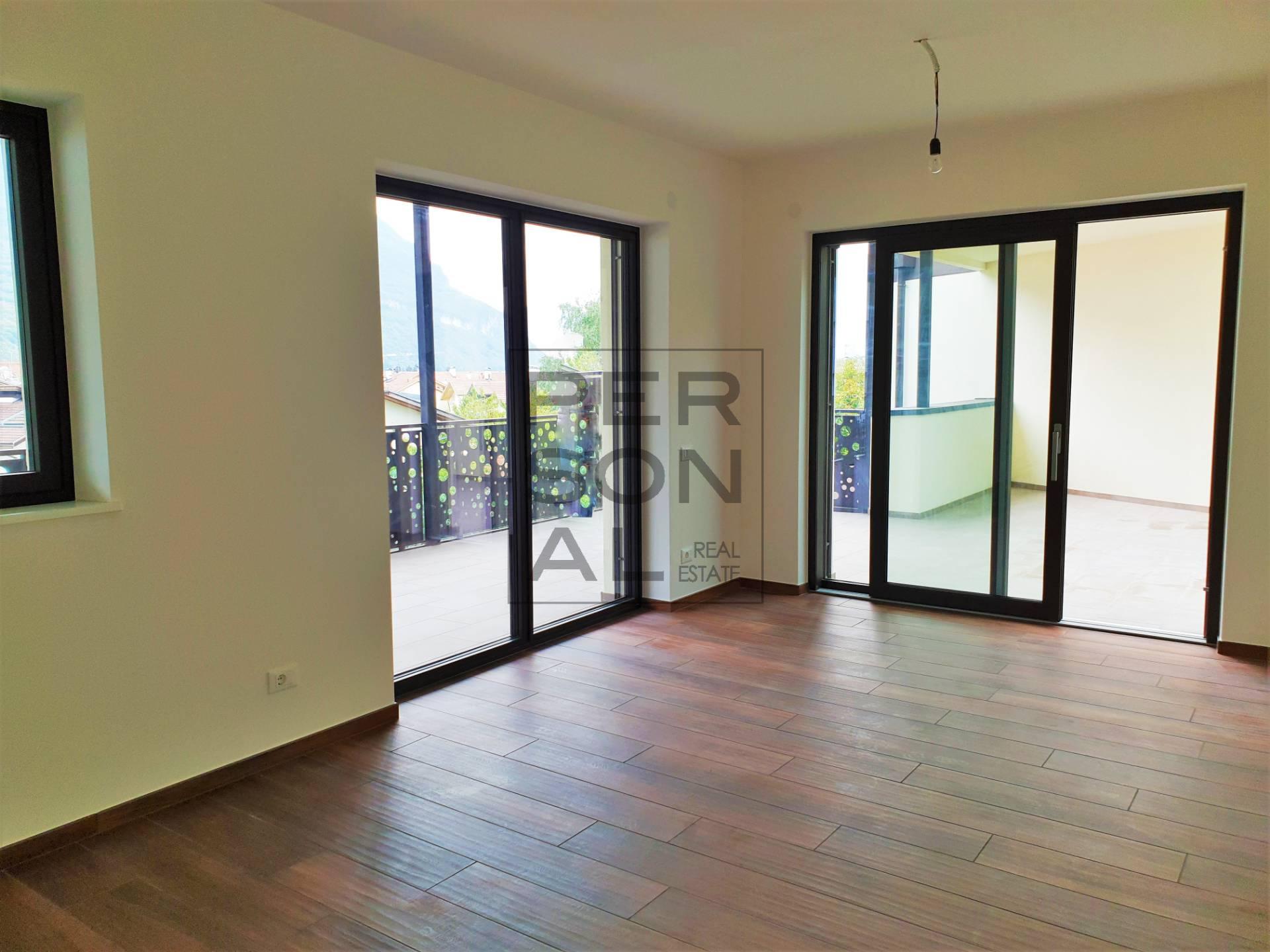 Appartamento in affitto a Egna, 5 locali, prezzo € 1.300 | CambioCasa.it