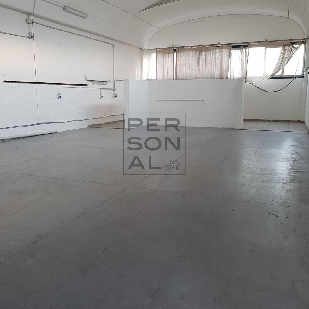 Capannone in affitto a Rovereto, 9999 locali, zona Zona: Lizzana, prezzo € 900 | CambioCasa.it