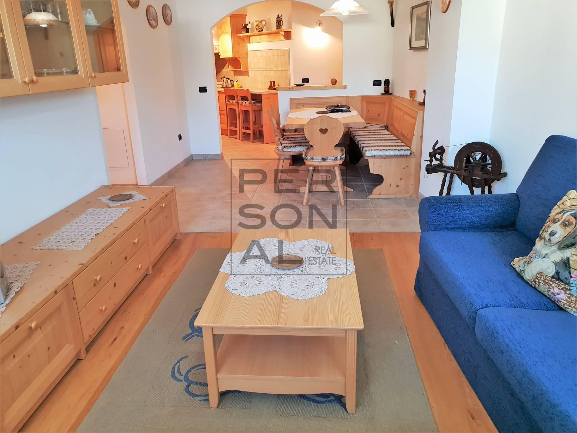Appartamento in vendita a Castello-Molina di Fiemme, 4 locali, prezzo € 197.000 | CambioCasa.it