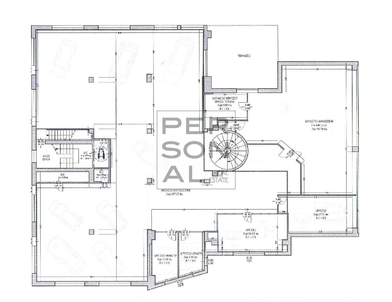 Negozio / Locale in affitto a Rovereto, 9999 locali, zona Zona: Sacco, prezzo € 5.000 | CambioCasa.it