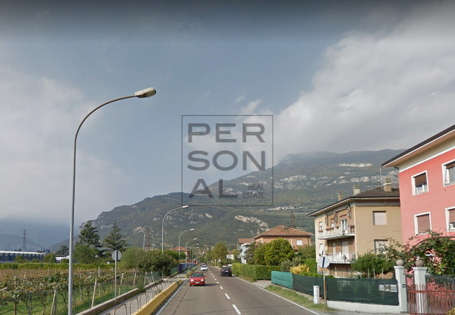 Magazzino in affitto a Rovereto, 9999 locali, zona Zona: Lizzana, prezzo € 450 | CambioCasa.it