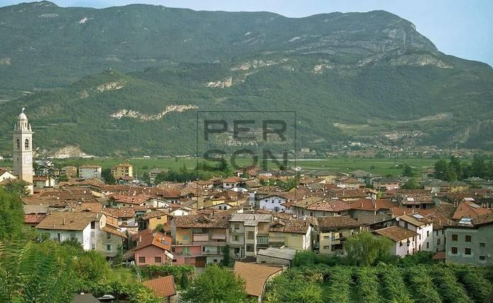 Capannone in vendita a Volano, 9999 locali, Trattative riservate | CambioCasa.it