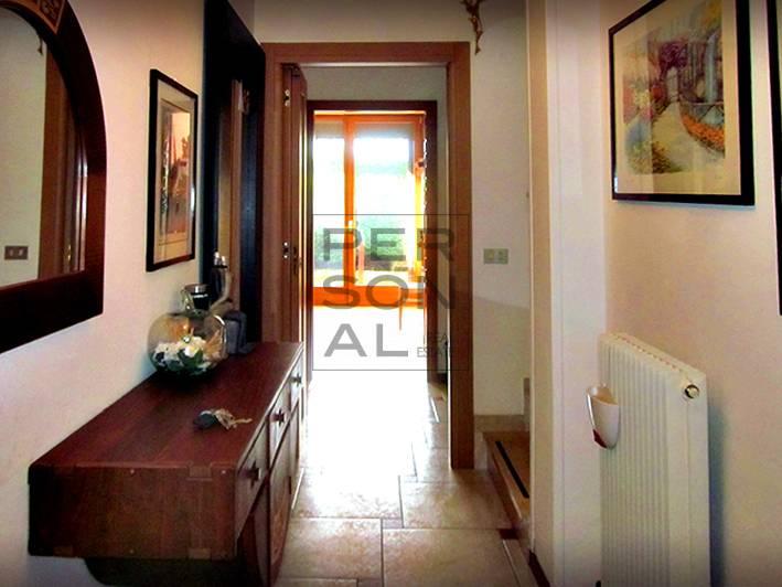 Foto villa multifamiliare in vendita a Pergine Valsugana (Trento)