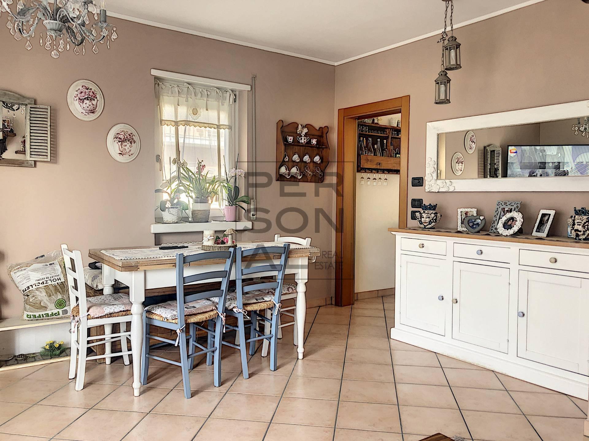 Appartamento in vendita a Besenello, 7 locali, prezzo € 250.000 | CambioCasa.it