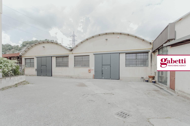 Capannone in vendita a Airuno, 9999 locali, prezzo € 360.000 | CambioCasa.it