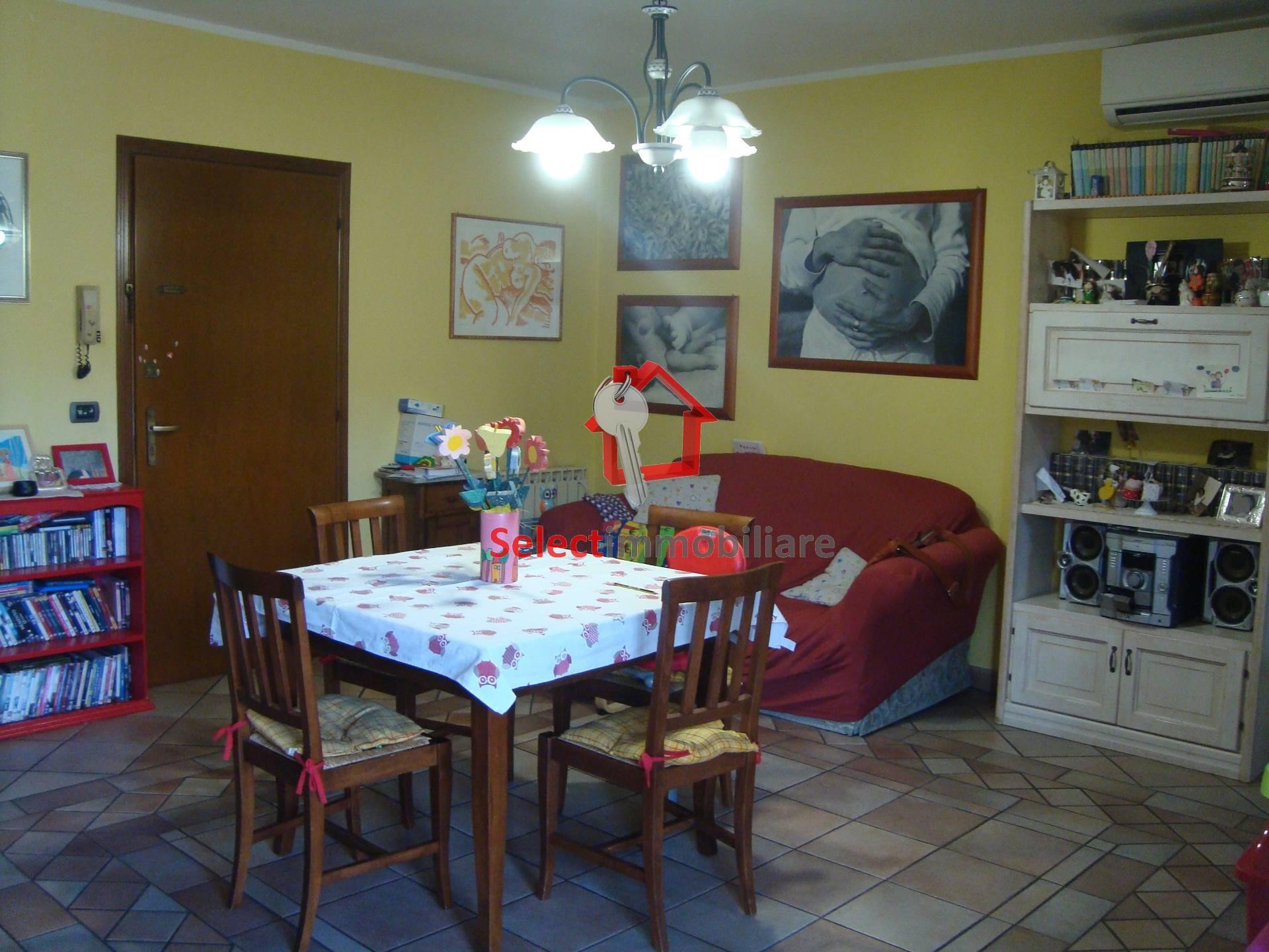 Appartamento in vendita a Bagni di Lucca, 4 locali, zona oli, prezzo € 130.000 | PortaleAgenzieImmobiliari.it