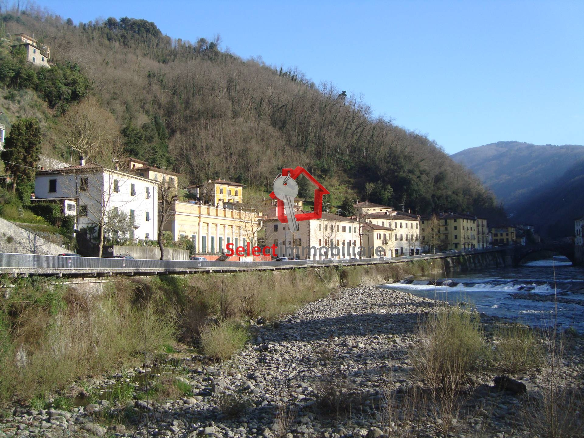 Appartamento in vendita a Bagni di Lucca, 2 locali, prezzo € 43.000 | CambioCasa.it