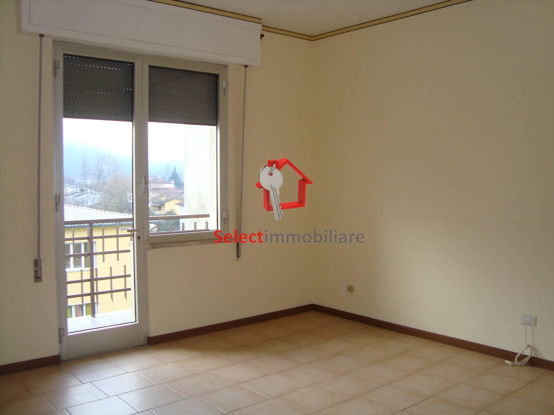 Appartamento in affitto a Bagni di Lucca, 6 locali, zona Zona: Fornoli, prezzo € 550 | CambioCasa.it