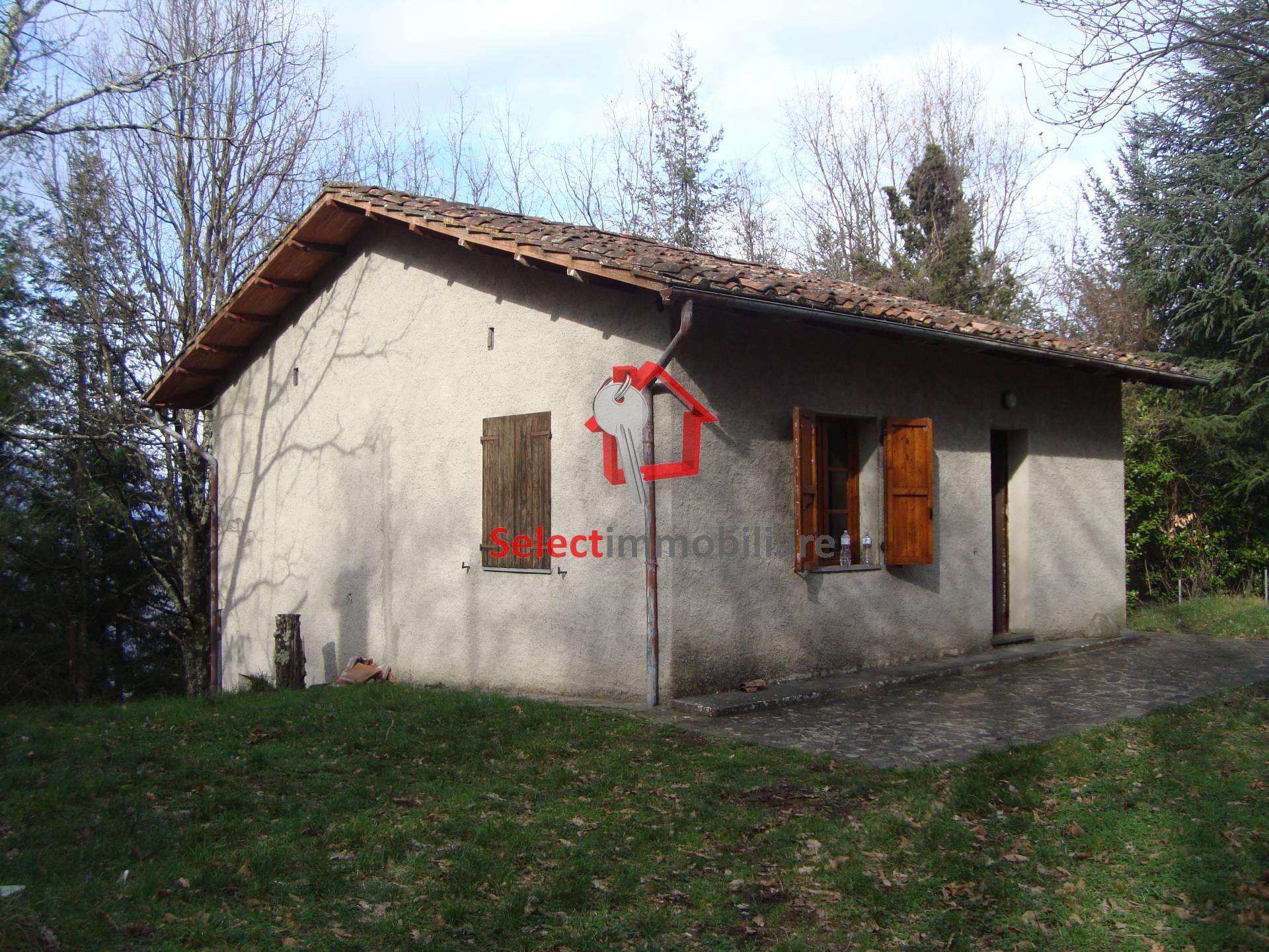 Rustico / Casale in vendita a Bagni di Lucca, 4 locali, zona Zona: Lugliano, prezzo € 70.000 | CambioCasa.it