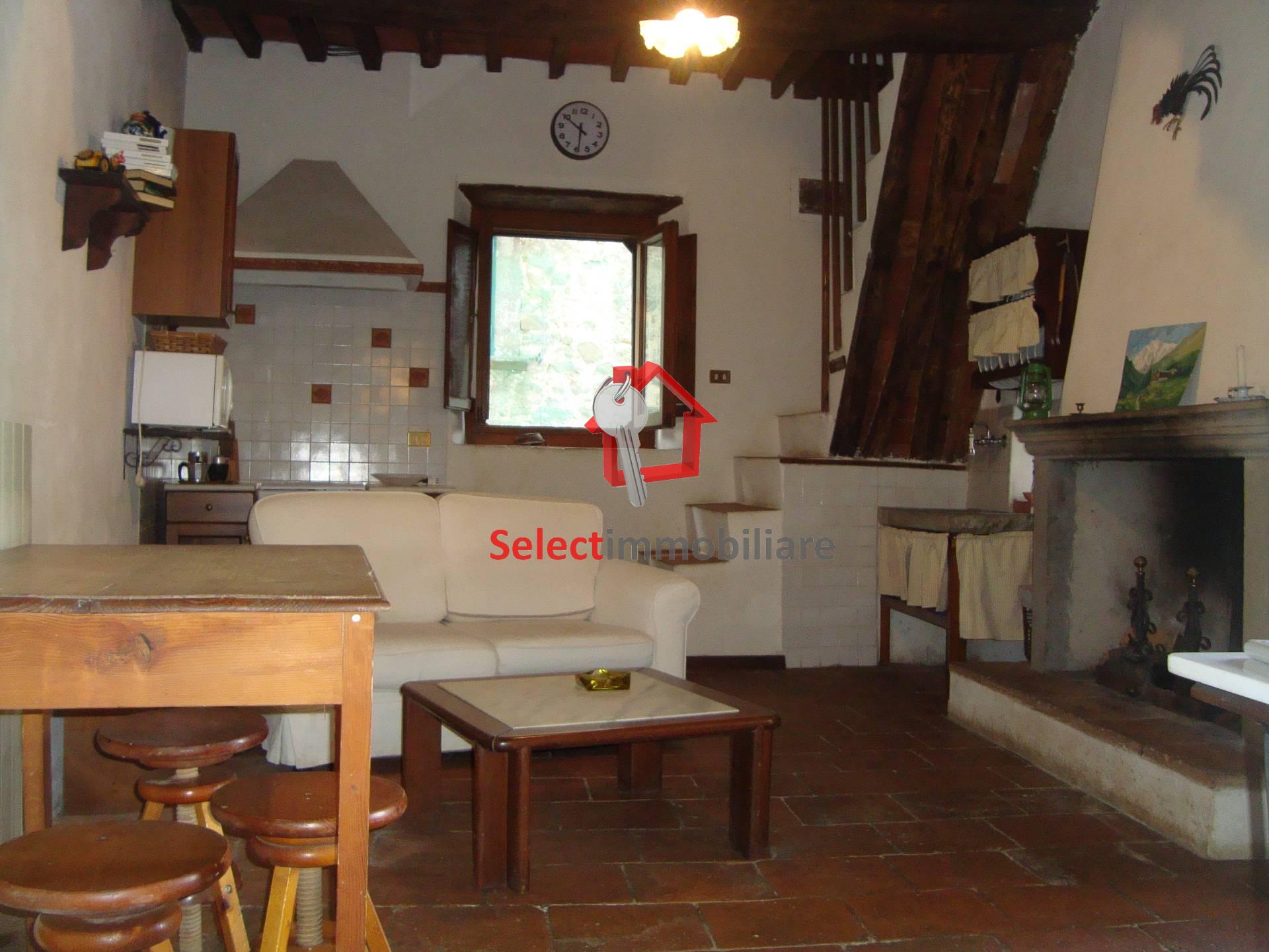 Soluzione Semindipendente in vendita a Bagni di Lucca, 5 locali, prezzo € 120.000 | CambioCasa.it